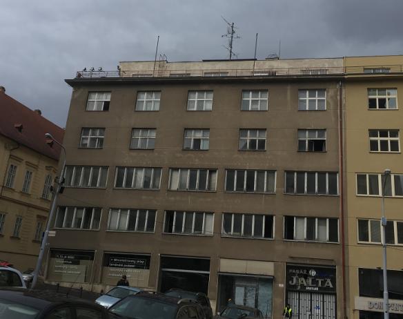 PREMIERE PROPERTIES PROJEKTI PALÁC JALTA BRNO – ylimmän maanpäällisen kerroksen välipohjien lämpöeristäminen